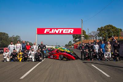 Os 16 pilotos da Fórmula Inter (Foto: Rodrigo Ruiz/F-Inter)
