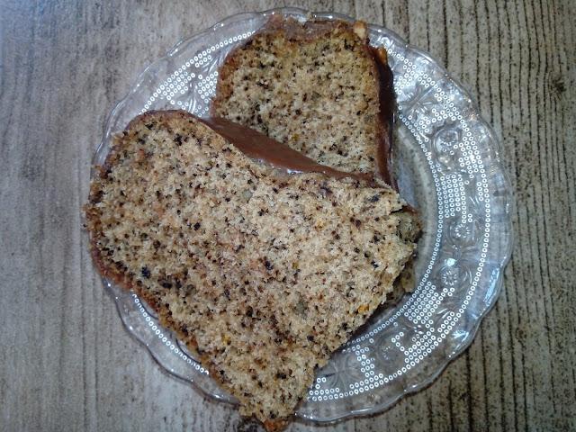 gotowana babka orzechowa babka z orzechami wloskimi wilgotna babka babka wielkanocna ciasto orzechowe ciasto z orzechami wloskimi babka z czekolada