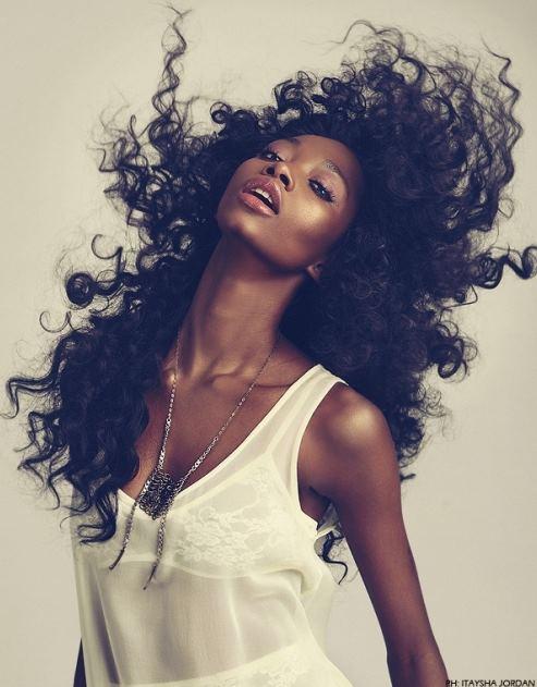 Cuidado del pelo afro rizado
