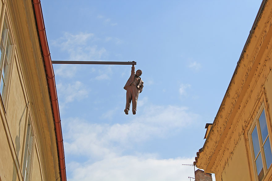 42 Of The Most Beautiful Sculptures In The World - Man Hanging Out, Prague, Czech Republic