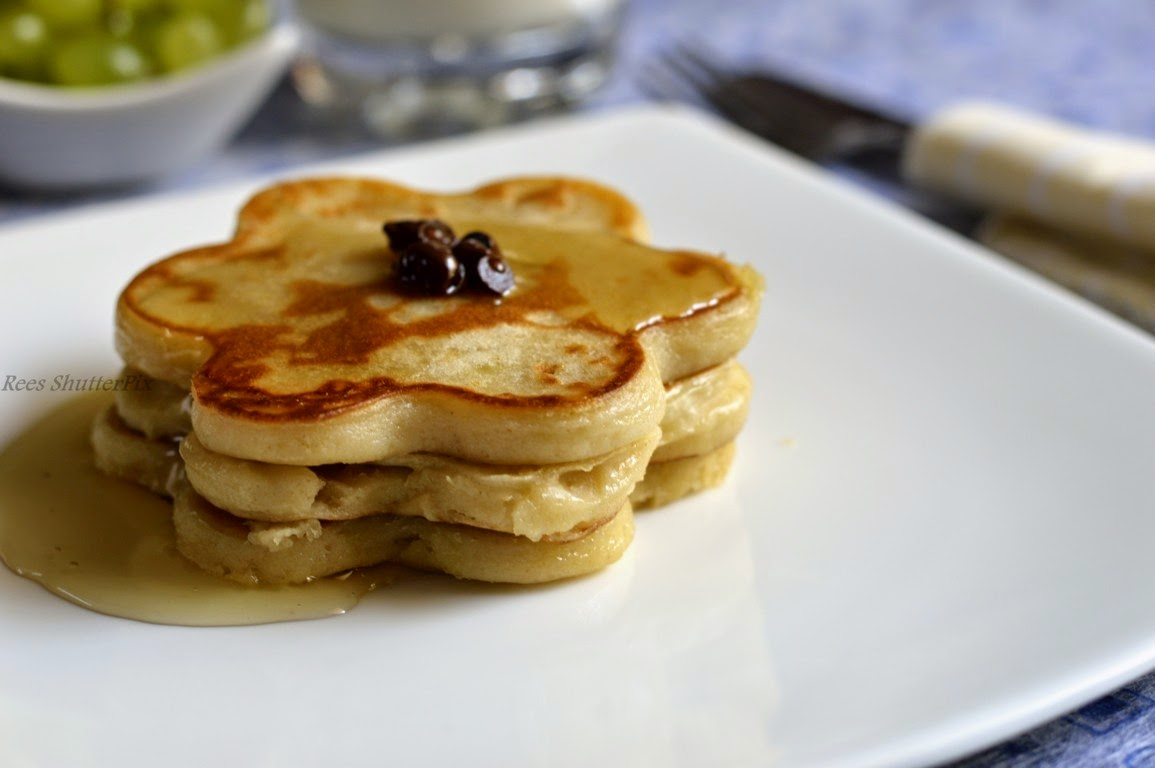 banana,pancakes,eggless,recipe,easy pancakes,