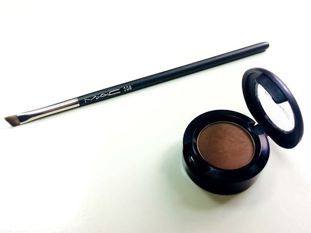 MAC 208 Brush and MAC Espresso Eyeshadow