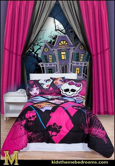 Monster High Comforter & Accessories-Haunted Mansion wall mural