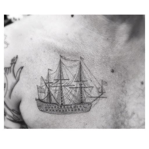 Bom Vela clavicula tatuagens