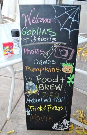 DIY chalboard sign for Halloween party
