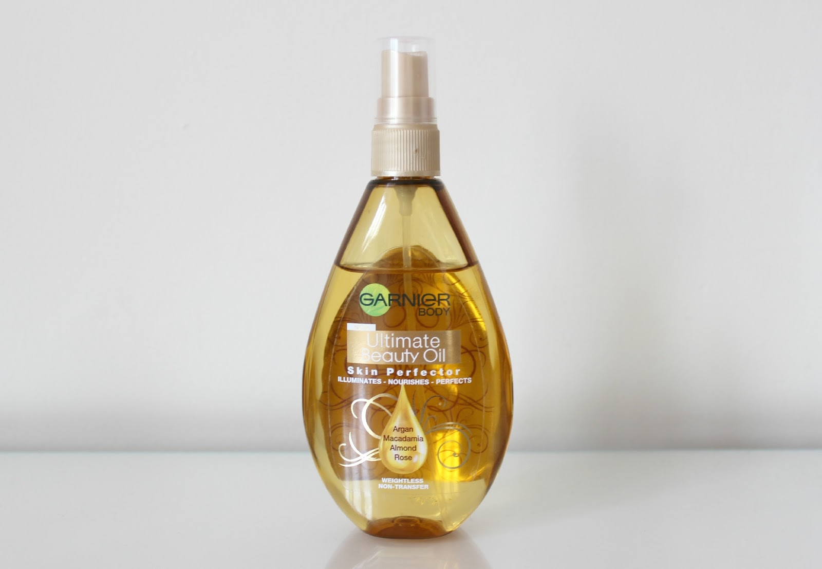 A picture of Garnier Ultimate Beauty Oil Skin Perfector