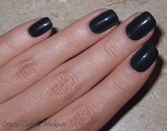 Vernis Live and Let Die d'OPI (Collection Skyfall)