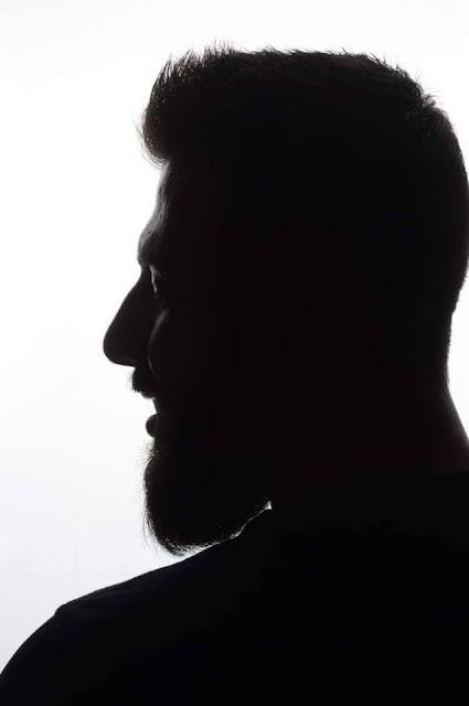 رشاد نجار يظهر في صور سابقة لم تحدث اطلاقا في الوسط الفني