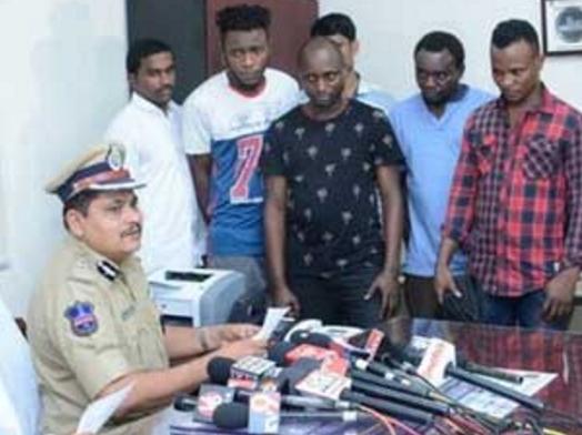 10 yahoo boys arrested new delhi india