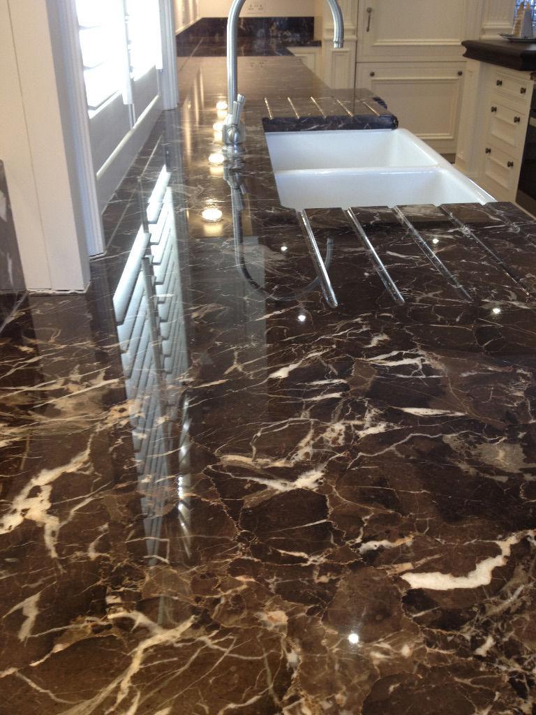Cara Membersihkan Granit Hitam Dengan Benar Agar Tetap Terawat