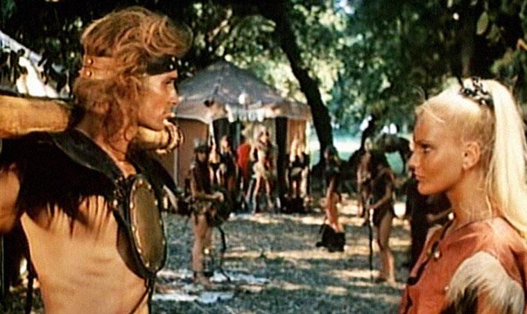 Miles O'Keefe und Sabrina Siani in ATOR: HERR DES FEUERS (1981). Quelle: Verleih