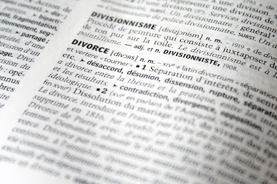 pixabay.com/en/divorce-justice-dictionary-right-2753151