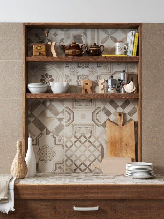Decomondo: mosaico di piastrelle per il paraschizzi della cucina