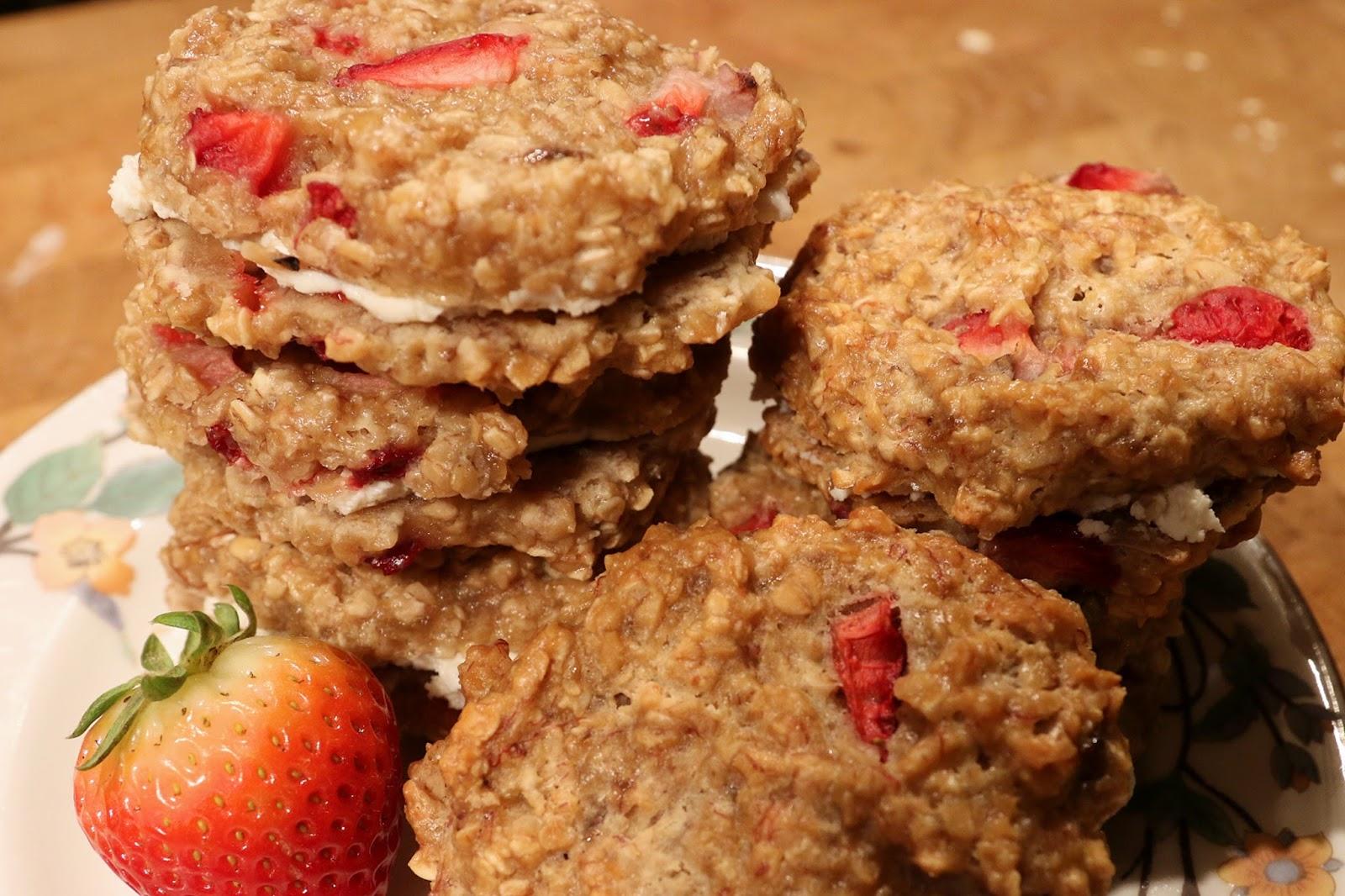Accidental Cream Pie Classy blackberry morning: strawberry oatmeal cream pies (low sugar)