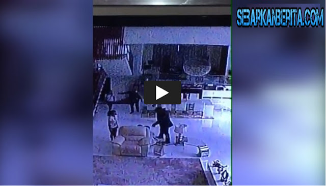 CCTV Perampokan Sadis di Pulomas, Si Pincang Terlihat Dengan Sangat Jelas Sehingga Polisi Mudah Menyimpulkan Pelaku Perampokan.