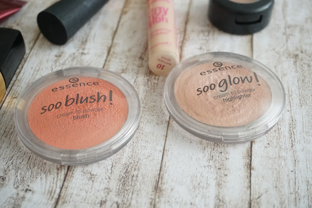 essence - soo blush! in 10 sweet as a peach      essence - soo glow! in 20 bright up your life