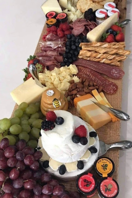 How to make a cheese board at home