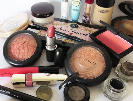 "Aktion... Monday Makeup Madness ""The Power of Makeup"""