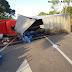 Em Ipu, caminhão sem freios tomba e por pouco não atinge duas casas na Várzea do Giló