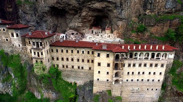 Secret tunnel discovered in Soumela Monastery