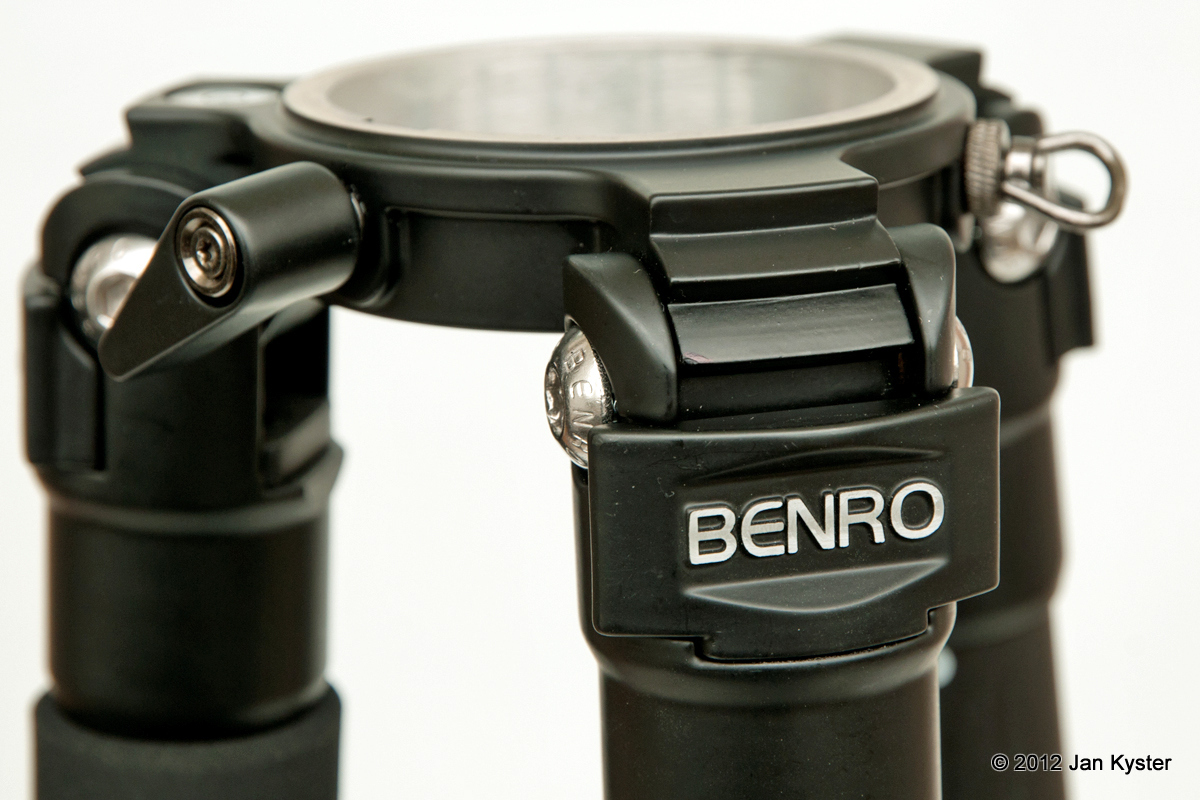 Benro C3770T CF Tripod finish detail