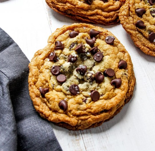 CHEWY CHOCOLATE CHIP COOKIES (NO-MIXER)