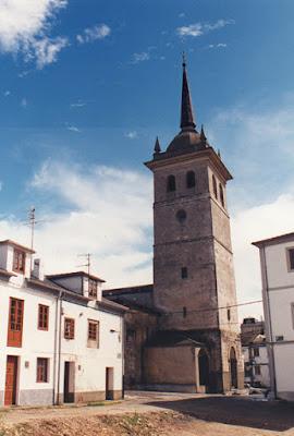 Iglesia de Santiago de Castropol