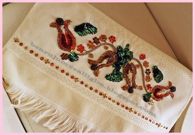 pul-ve-boncuk-işlemeli-havlu-modelleri
