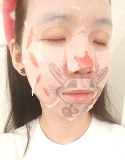 sheet mask selfie 1
