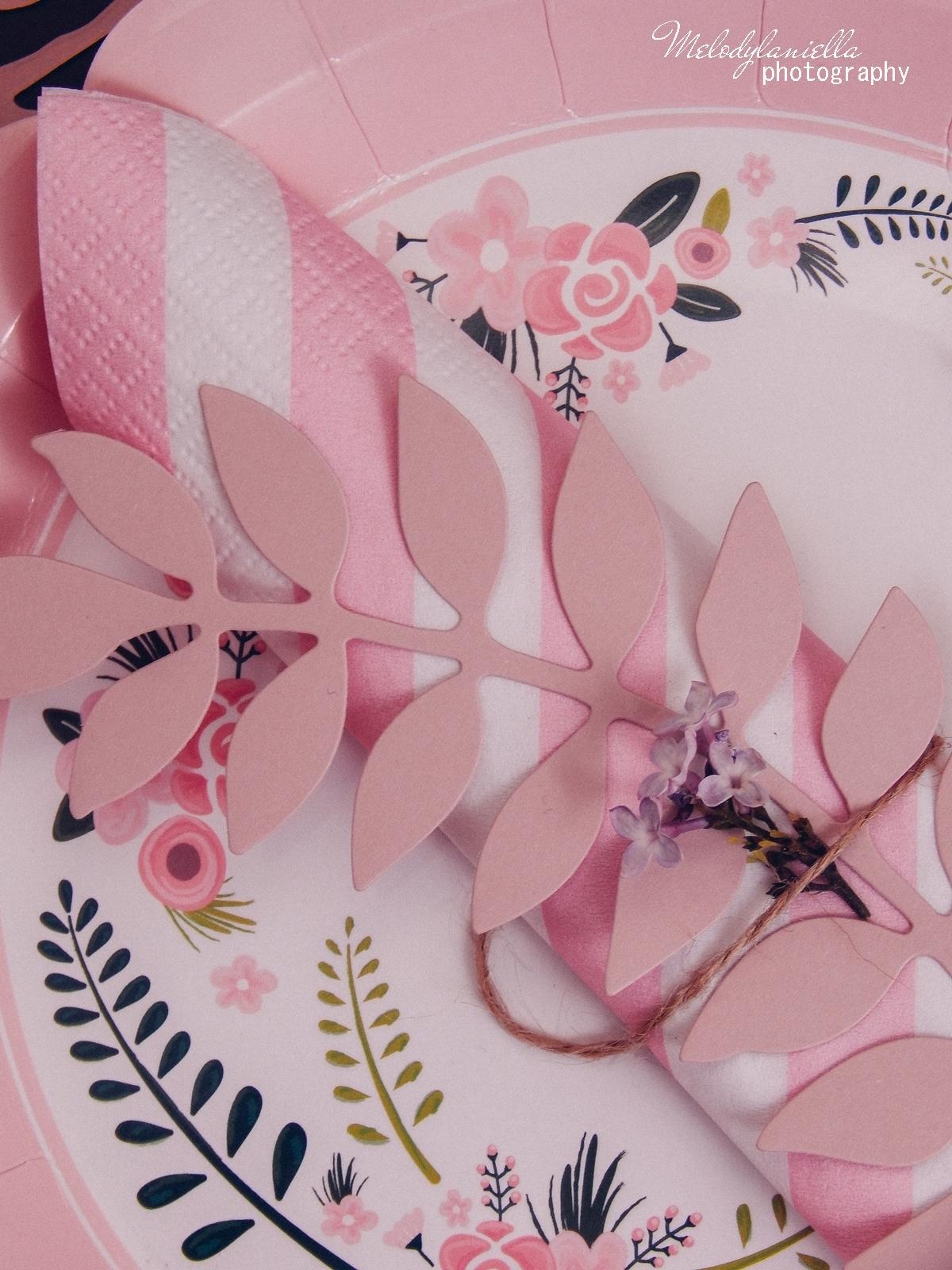 3 partybox.pl imprezu urodziny stroje dodatki na imprezę dekoracje nakrycia akcesoria imprezowe jak udekorować stół na dzień mamy pomysły na dzień matki papierowe elementy kubki talerzyki