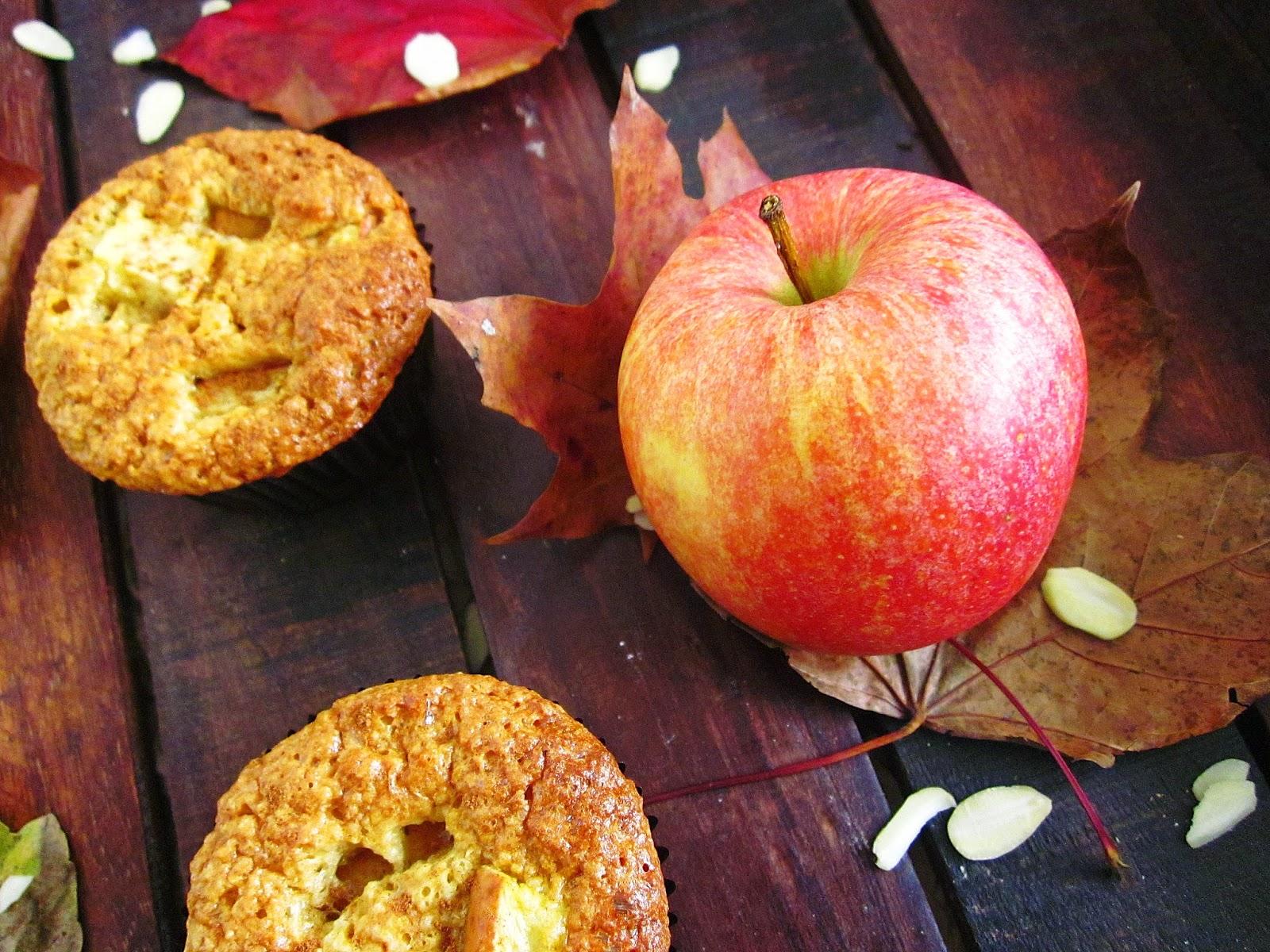 Muffins und Apfel
