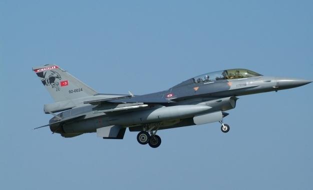 Τουρκικά F-16 έκαναν υπερπτήσεις πάνω από τέσσερα ελληνικά νησιά