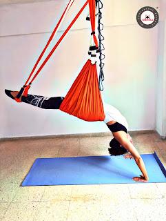 aerial yoga, aeroyoga, air yoga, yoga swing, teacher training, exercice, rafael martinez, fly, flying, suspension,gravity, trapeze, anti, age