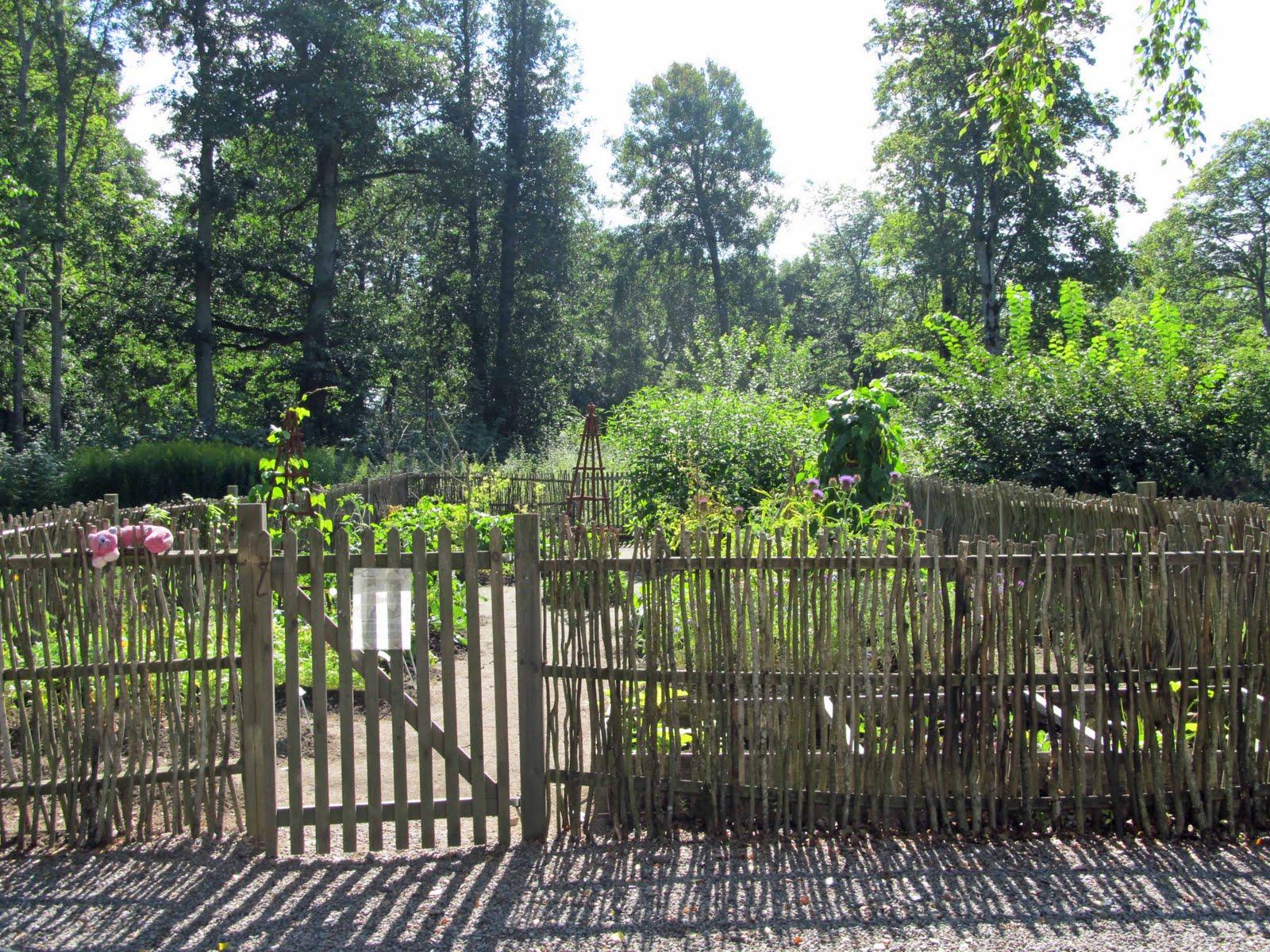 Garden Fences Ideas: Summit Musings: Friday Fences