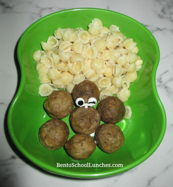 Warmables Lunchbox Kit Review. Shells and white cheddar meatballs