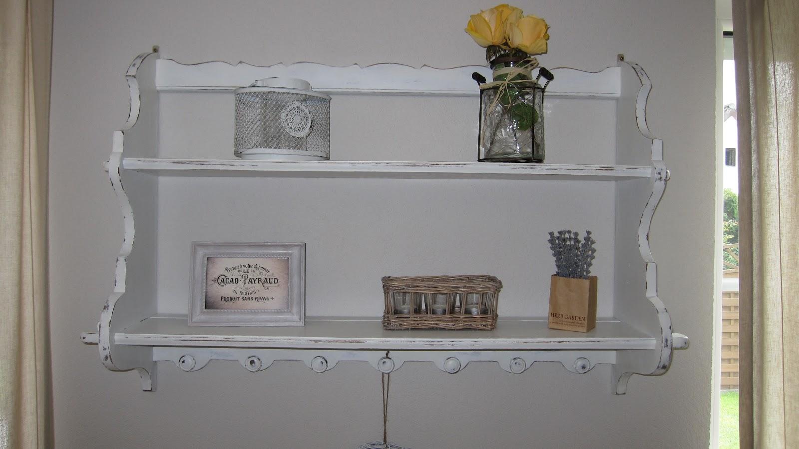 kleines gelbes haus shabby chic wandregal. Black Bedroom Furniture Sets. Home Design Ideas