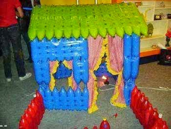 Casita con botellas