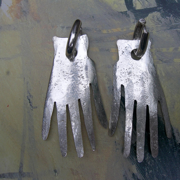 Boutique Of Spirit Feature .30 Picasso' Hands