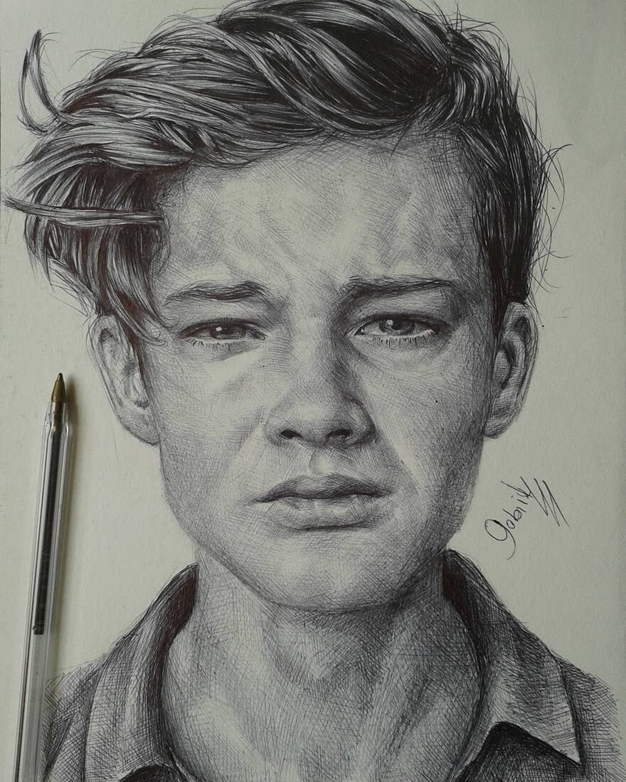 03-That-Really-Hurt-Gabriel-Vinícius-Ballpoint-Pen-Portraits-with-very-Different-Expressions-www-designstack-co