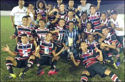 Santa Cruz  campeão sub 14 e sub 17 da I Copa Codó de futebol de base 34b8b8570690a