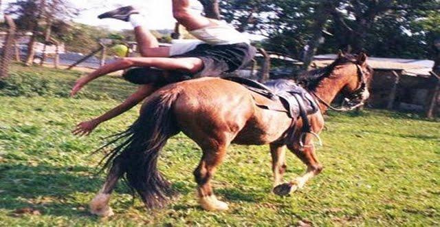 Rapaz morre após cair do cavalo e ser arrastado com corda no pescoço