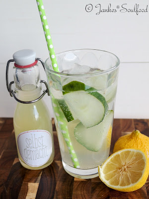 Gurkenlimonade mit Zitrone