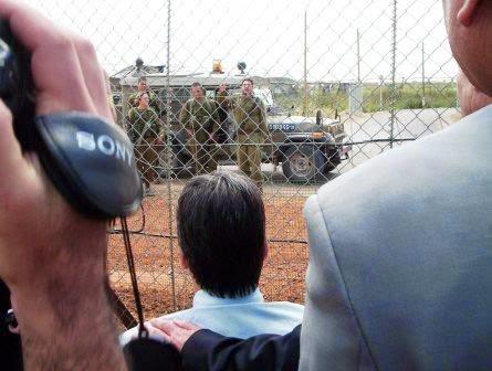 Brasileiros entram e discussão com soldados israelenses