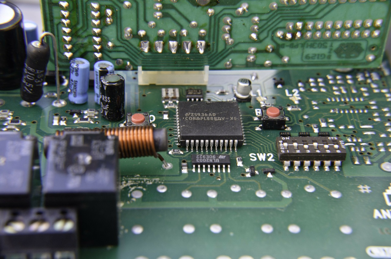Making The Pcb Printed Circuit Board Tech Quark Gold Plated Have You Ever Wondered Exactly Why They Are Called Boards Well Its Because Many Of Production Stages Involve Use Printing