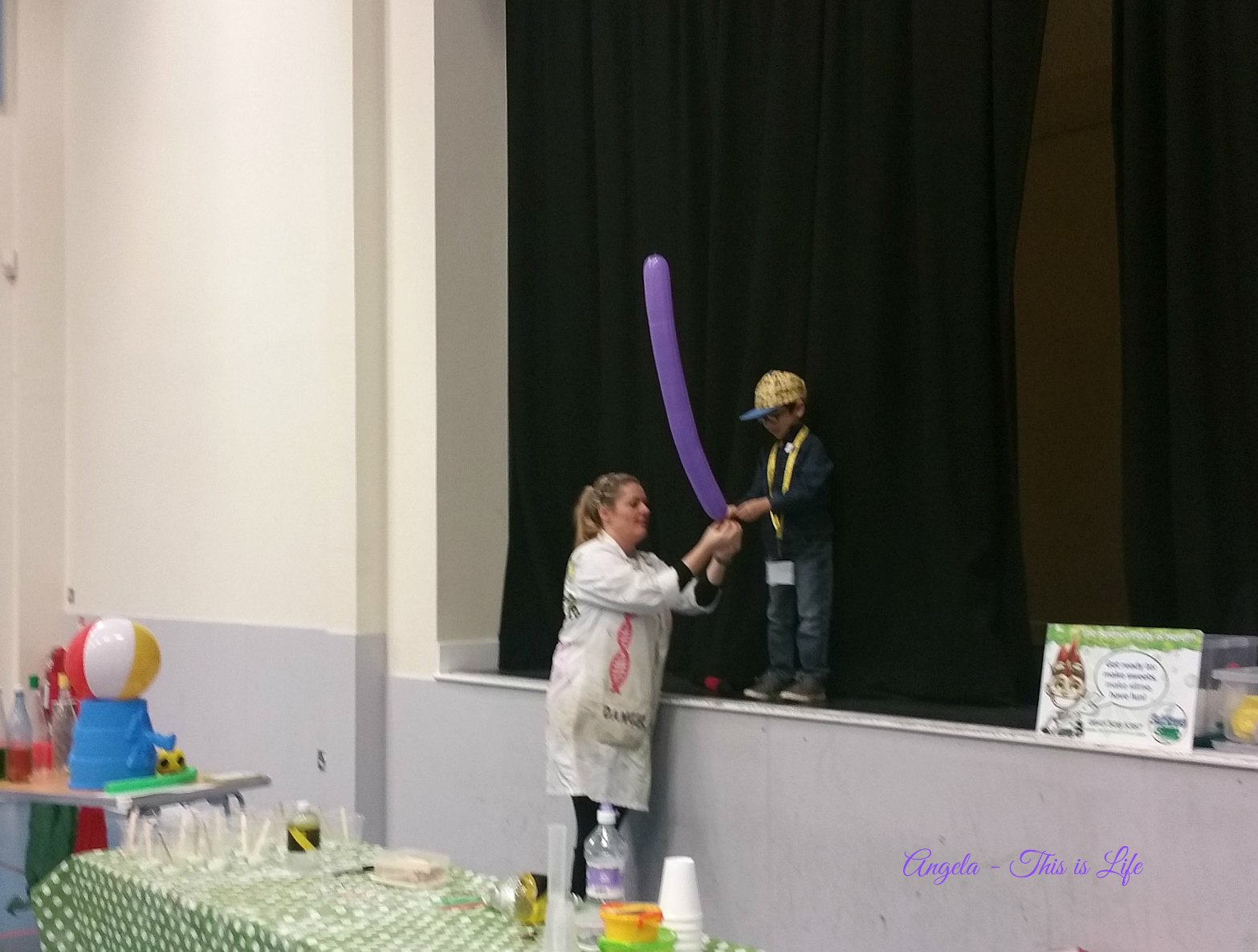 Sublime Science Party Entertainment, Birthday Party Entertainer, STEM Party