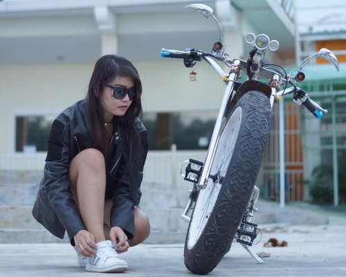 Tinuku Wiwin Vegas designed Seliged electric bike lowrider chopper stylish and luxurious aluminum frame