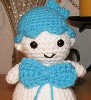 http://www.ravelry.com/patterns/library/amigurumi-little-twin-star-lookalike-dolls
