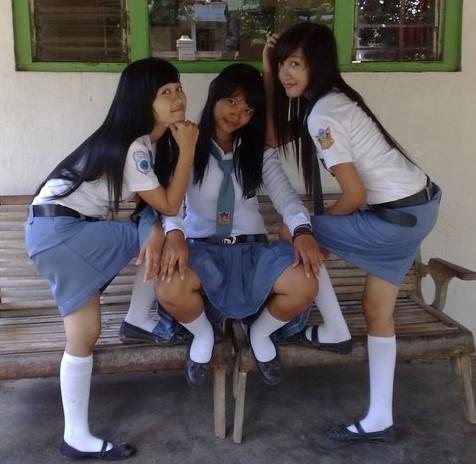 Cerita Ngentot Tiga Gadis SMK Yang Masih Perawan