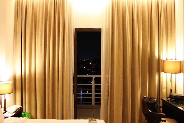 kamar hotel santika