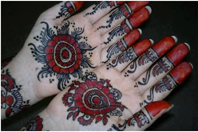christmas-best-mehndi-designs-on-hands-for-girls-2